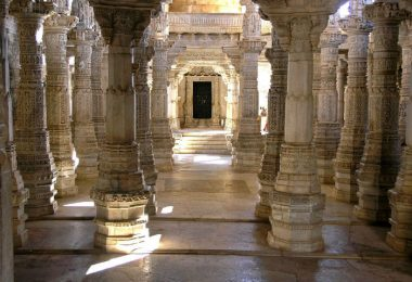 Interior-of-Luna-Vasahi-Temple